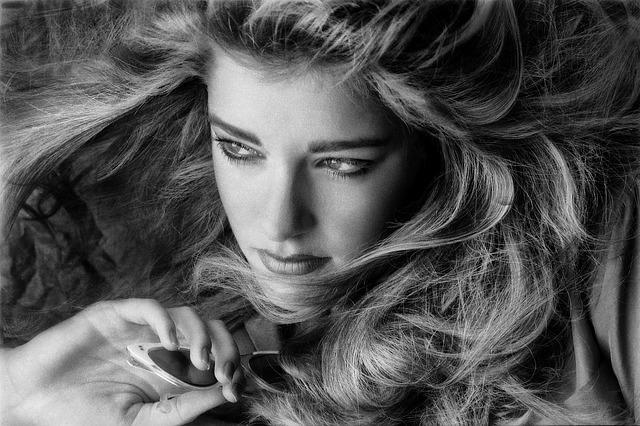 Jak pečovat o vlasy, tipy na mastné vlasy, proti padání vlasů..