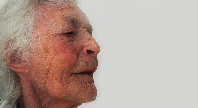 Důchodkyně v domově důchodců vypila dezinfekci Anticovid