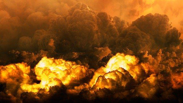 Muž zemřel při výbuchu mikrovlnky, kterou dal do jiné mikrovlnky