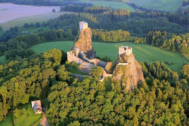 Zřícenina hradu Trosku