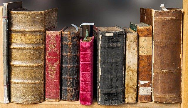 Pět nejzáhadnějších knih - kdo a proč je napsal? Tajemné knihy