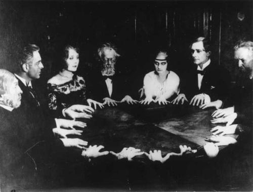 Spiritismus - víra v duše zemřelých lidí