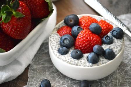 Jemný vanilkový krém s ovocem