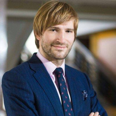 Adam Vojtěch, ze superstar ministrem financí, vzdělání, kritika