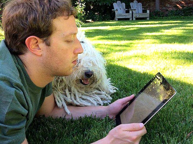Zakladatel Facebooku Mark Zuckerberg doporučuje tyto knihy